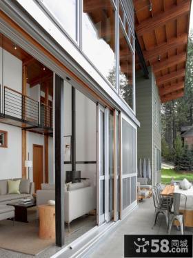 别墅客厅阳台玻璃推拉门效果图