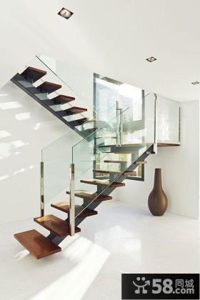 两层别墅楼梯设计图