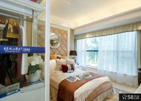 现代风格家庭主人卧室装修图片欣赏