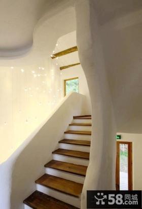 美式乡村风格室内楼梯效果图