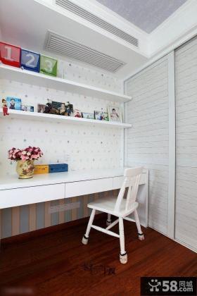 简单家庭工作台装饰