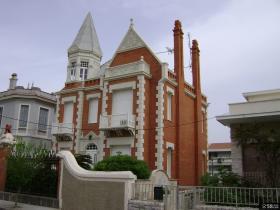 欧式别墅外观设计实景图