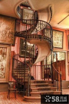 豪华别墅旋转楼梯设计图