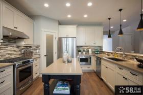白色欧式厨房整体厨柜装修效果图
