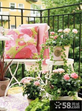 阳台家居抱枕装饰