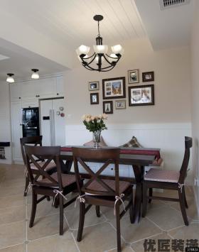 美式乡村风格三室两厅装修餐厅效果图