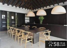 黑色稳重大气的客厅装修效果图大全2014图片