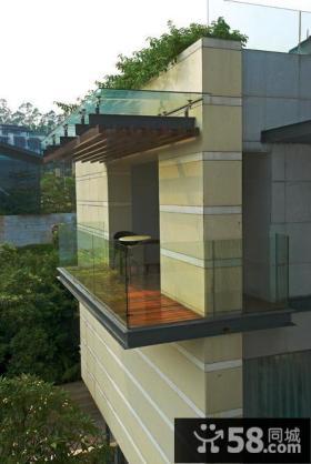 别墅阳台玻璃围栏效果图