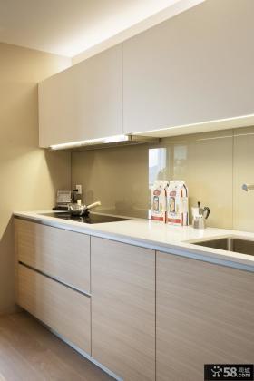 现代原木风厨房设计