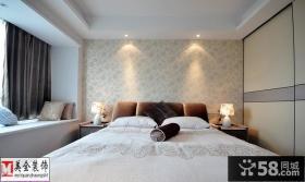 二居室卧室飘窗设计