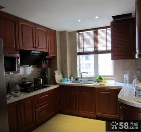 家装U型厨房实木橱柜效果图图片