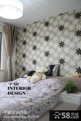 现代风格卧室床头碎花壁纸背景墙效果图