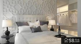 现代时尚的联排别墅卧室背景墙装修效果图