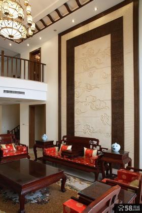 日式别墅挑高客厅实木家具图片
